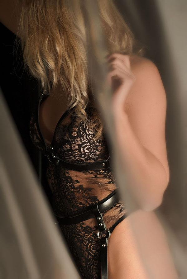 Bondage lingerie zwart leder