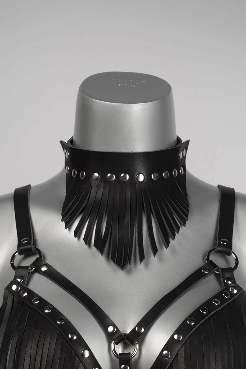Leren halsband met franjes