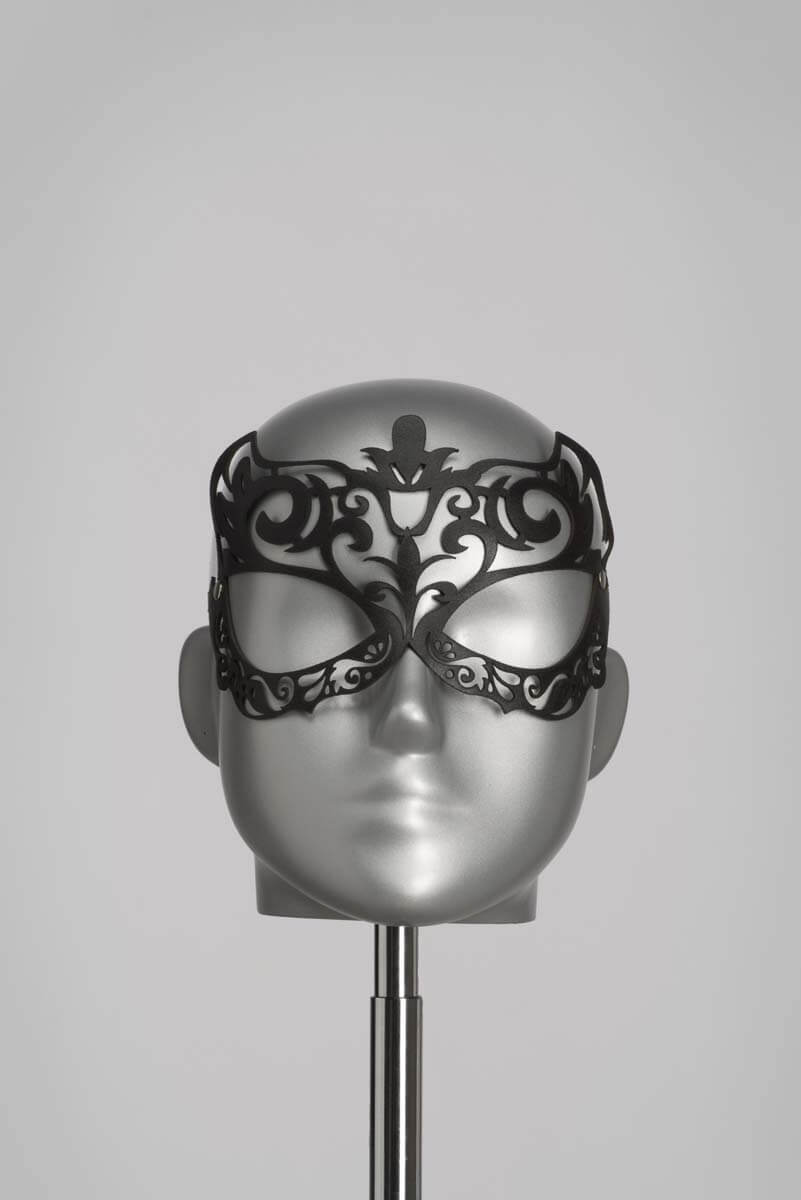 Sexy leren masker in zwart lasercut design