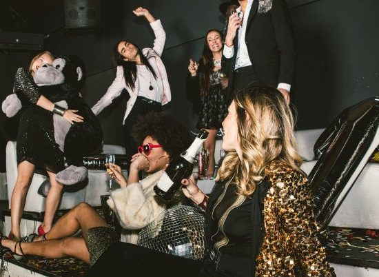 party-people-celebrating-club_186382-2900