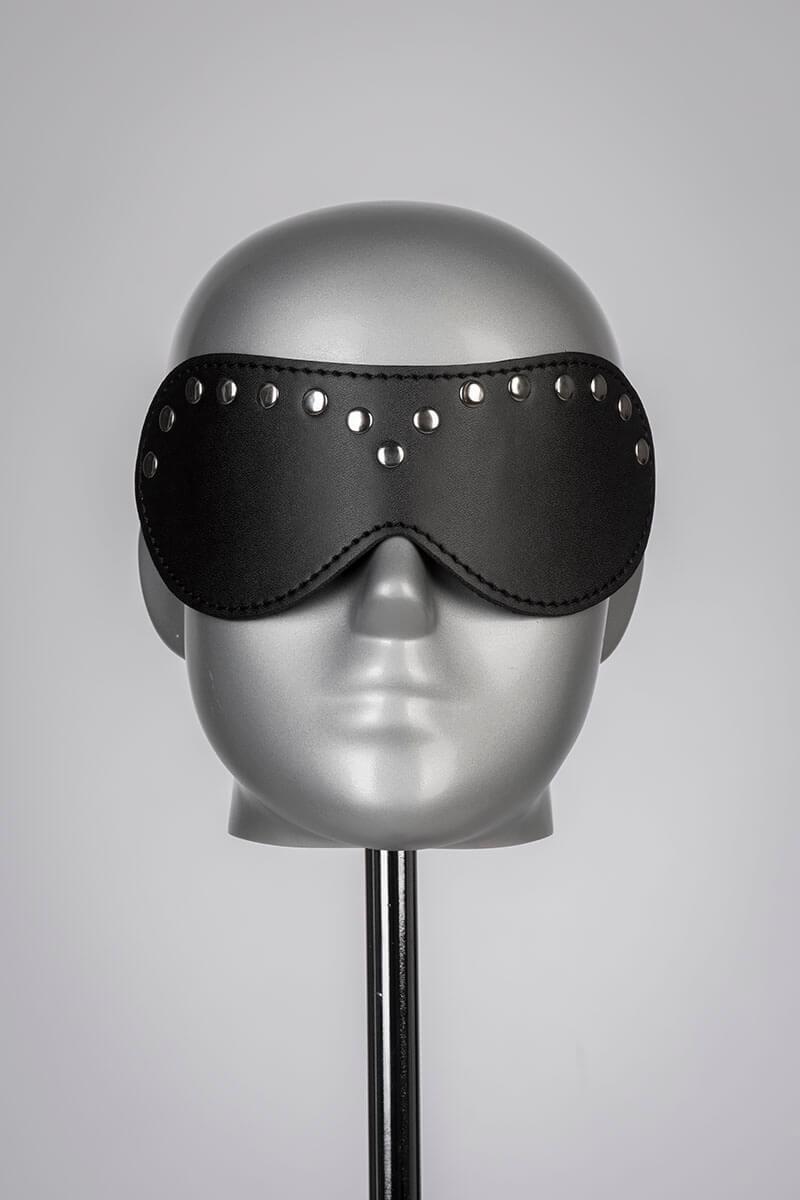 Leren blinddoek zwart met studs van leatherlook materiaal